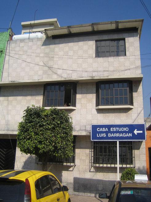 Casa-Barragan-Sign