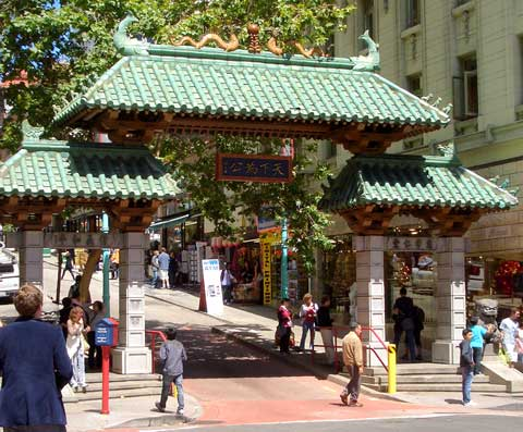 sf-chinatown-dragon-gate
