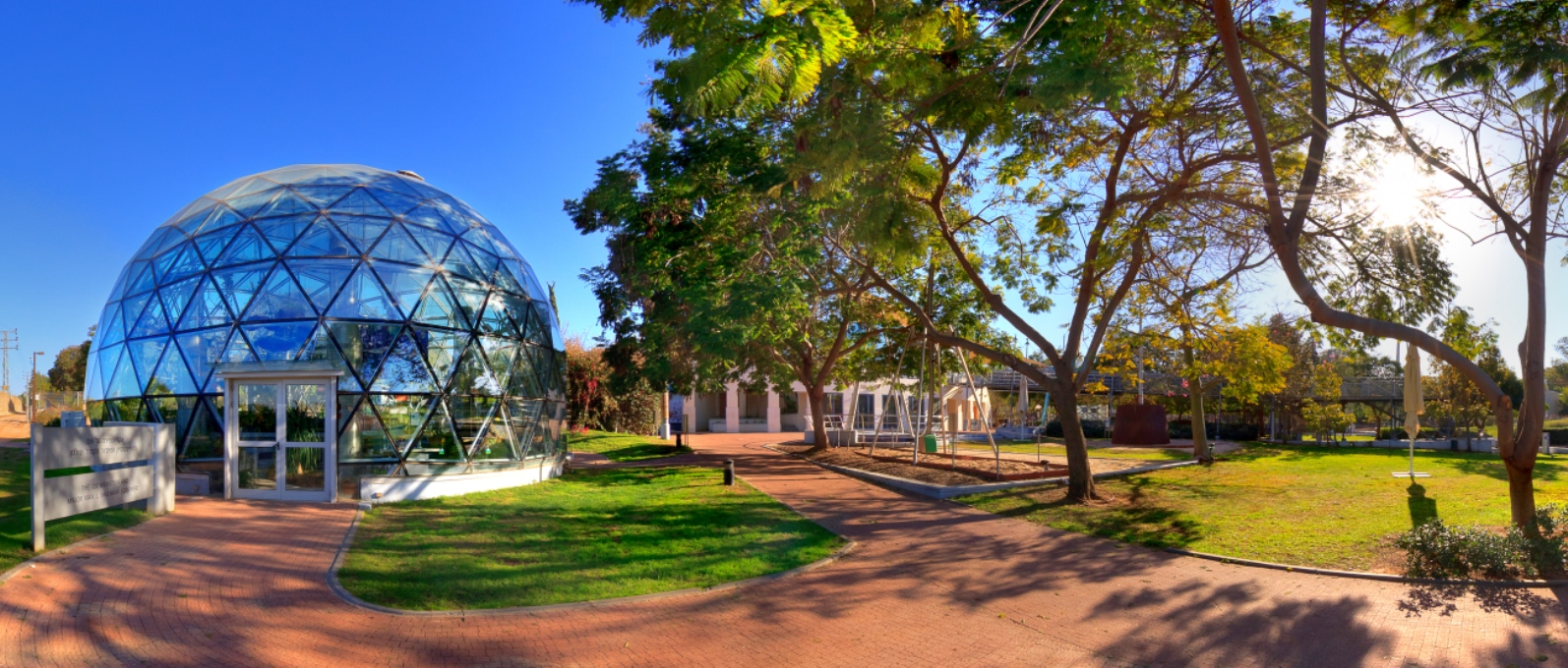 The-Clore-Garden-of-Science