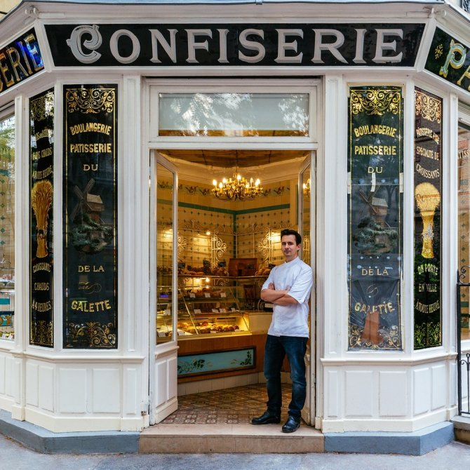 Patisserie Boulangerie Boris This century-old patisserie decorated with a drawing of the Moulin de la Galette, symbol of Montmartre, is on the list of French historical monuments. Owner Boris Lumé, known for his petits choux, took over in 2013.