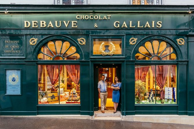 Debauve et Gallais Opened in Saint Germain in May 1800 and designed by Napoleon's architects, this is the only chocolaterie among France's historical monuments and is today run by Bernard Poussin and Diane Junique.