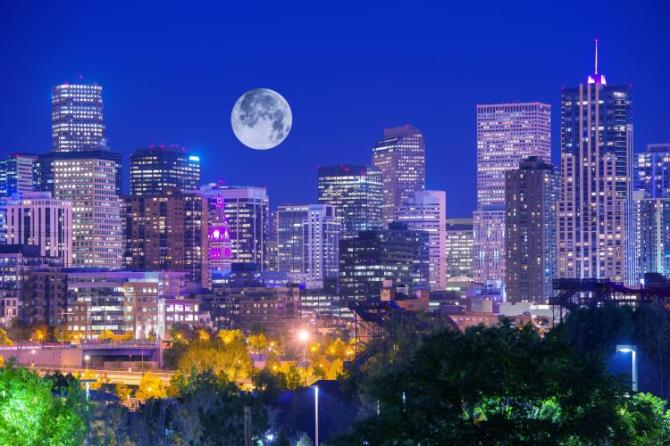 full-moon-denver-colerado