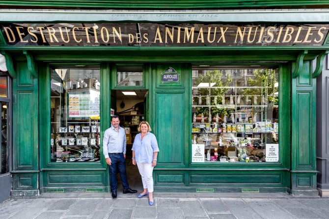 ulien Aurouze and Co The window of this pesticide and rodent trap store has displayed a macabre line-up of rats hanging from mousetraps since 1872. Siblings Julien and Cécile Aurouze are the fourth generation of their family to own the shop.