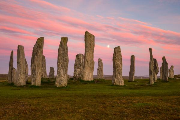calanais-standing-stones-sunset